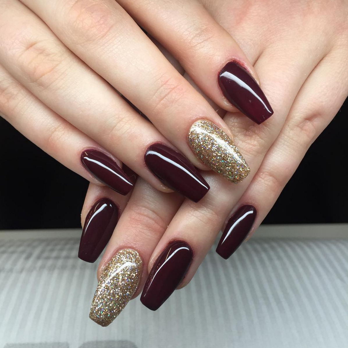 plum-red-gold-nails