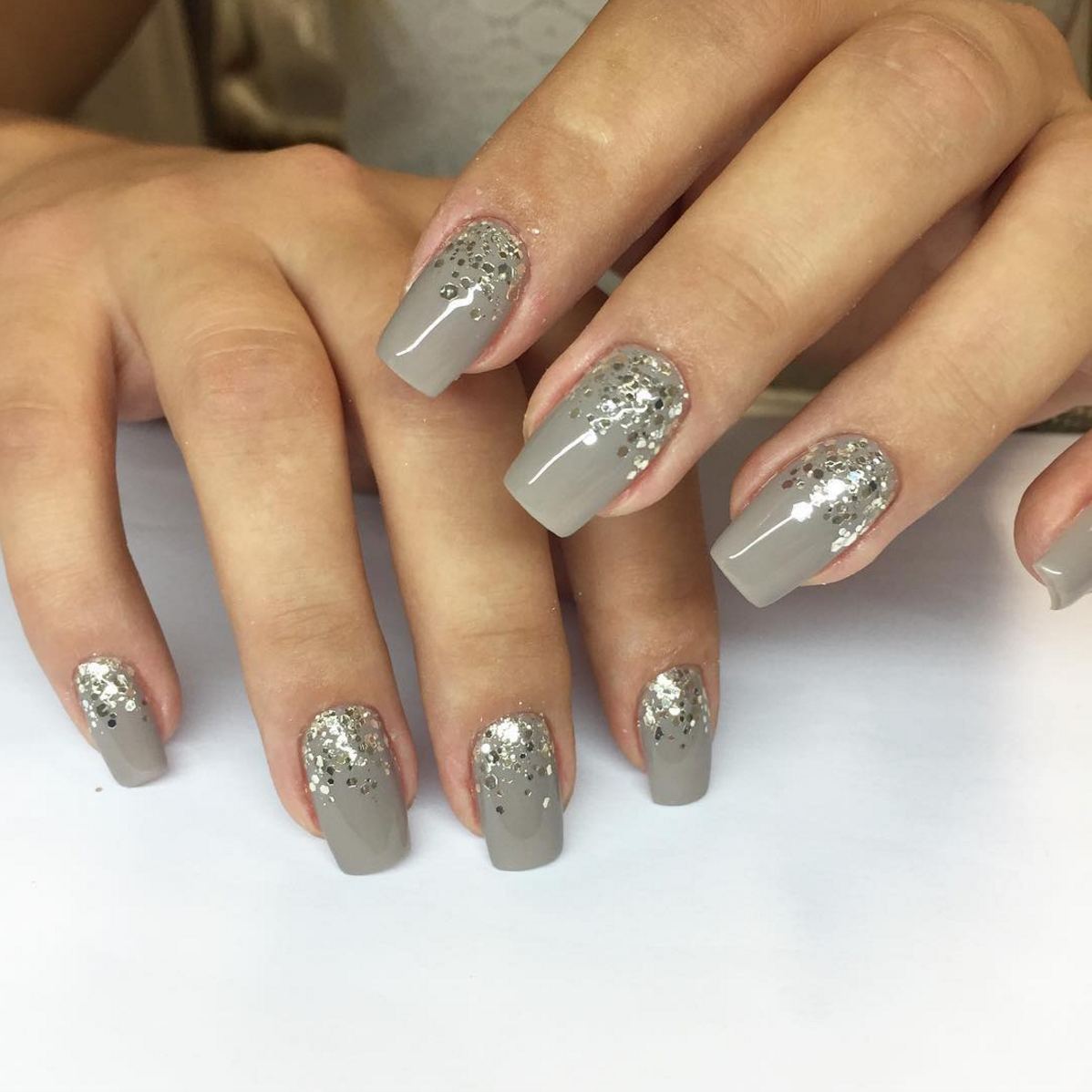 grey-with-glitter-nails